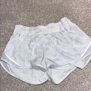 Lululemon hotty hot shorts amazing condition